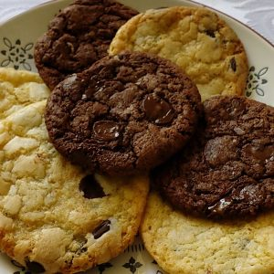 really easy choc chip cookies