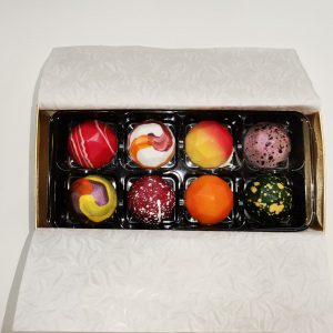 Box of 8 Luxury handmade Truffles